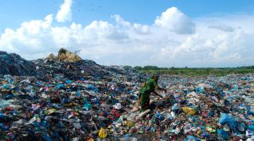 Call for G7 Cornwall summit to forge global plastic pollution treaty